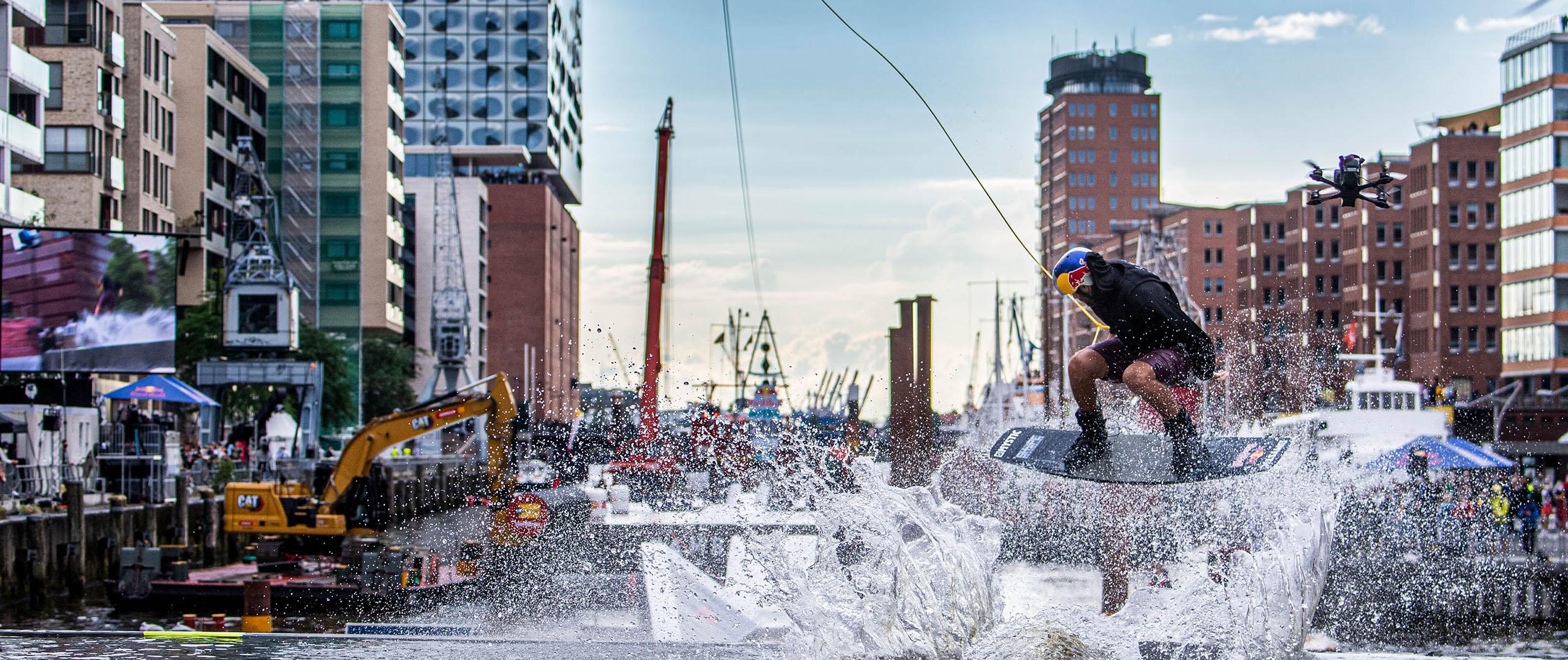 Red Bull Wake Capital in Hamburg;Aufgaben QUERFAHRT: Sportliche Leitung, Contest Format, Track-Design, Rider